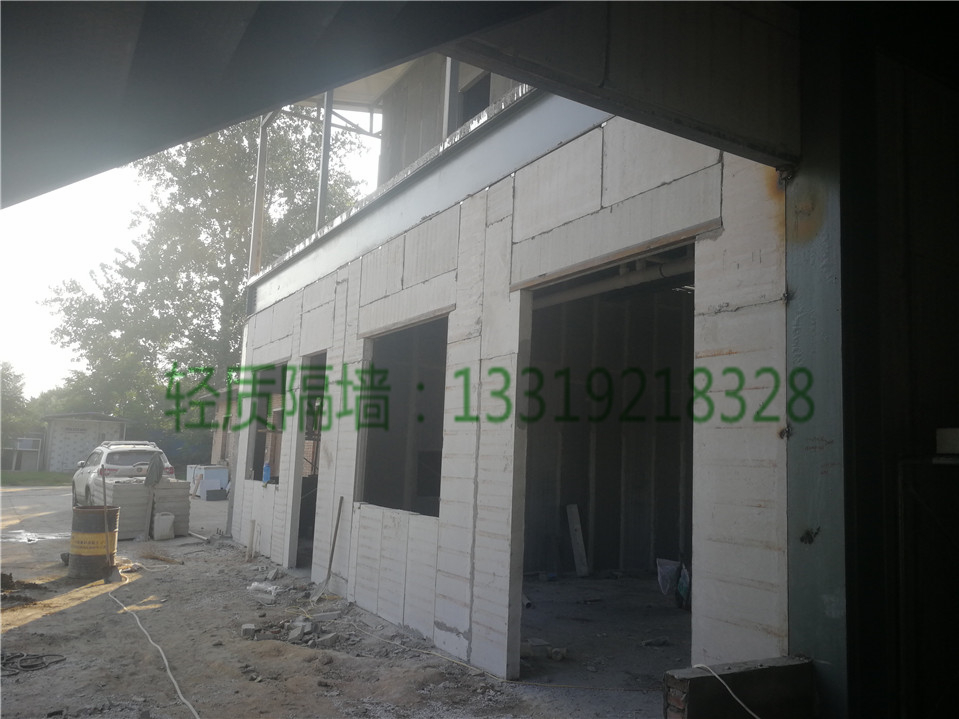 轻质隔墙板对比加气块之优势