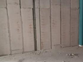 汉中石膏板隔墙价格,汉中SGK空心石膏水泥轻质隔墙板隔断墙材料厂家