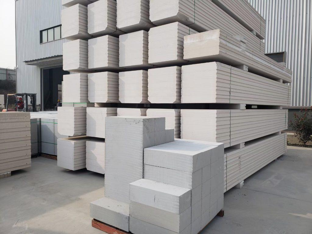 安康石膏板隔墙价格,安康SGK空心石膏水泥轻质隔墙板隔断墙材料厂家